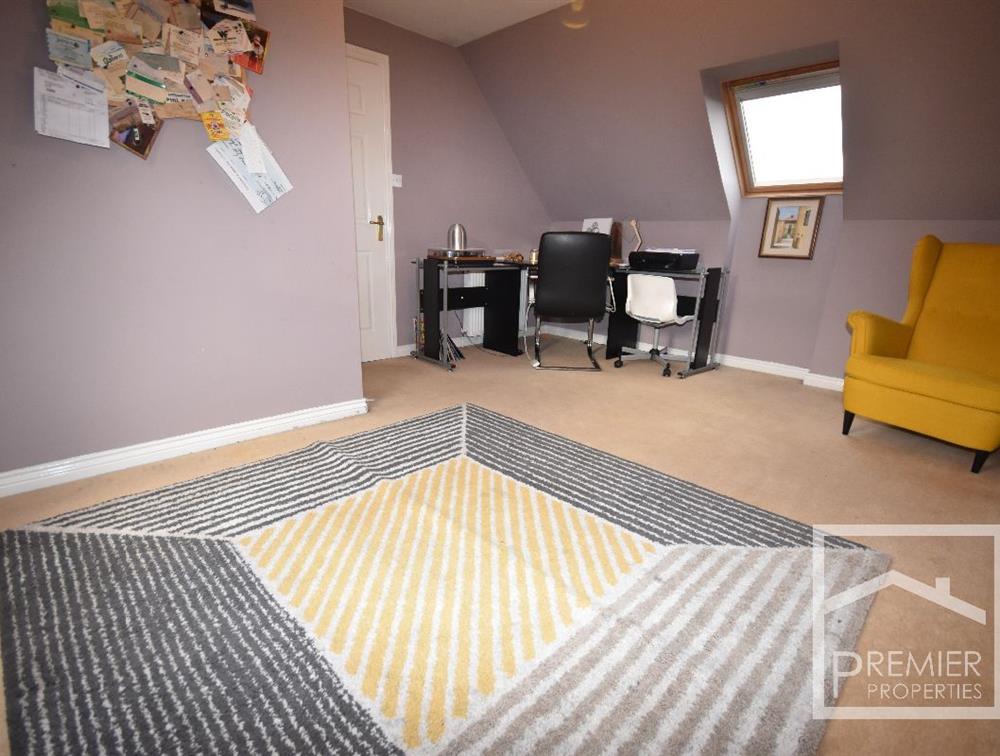 Bedroom 6/Office