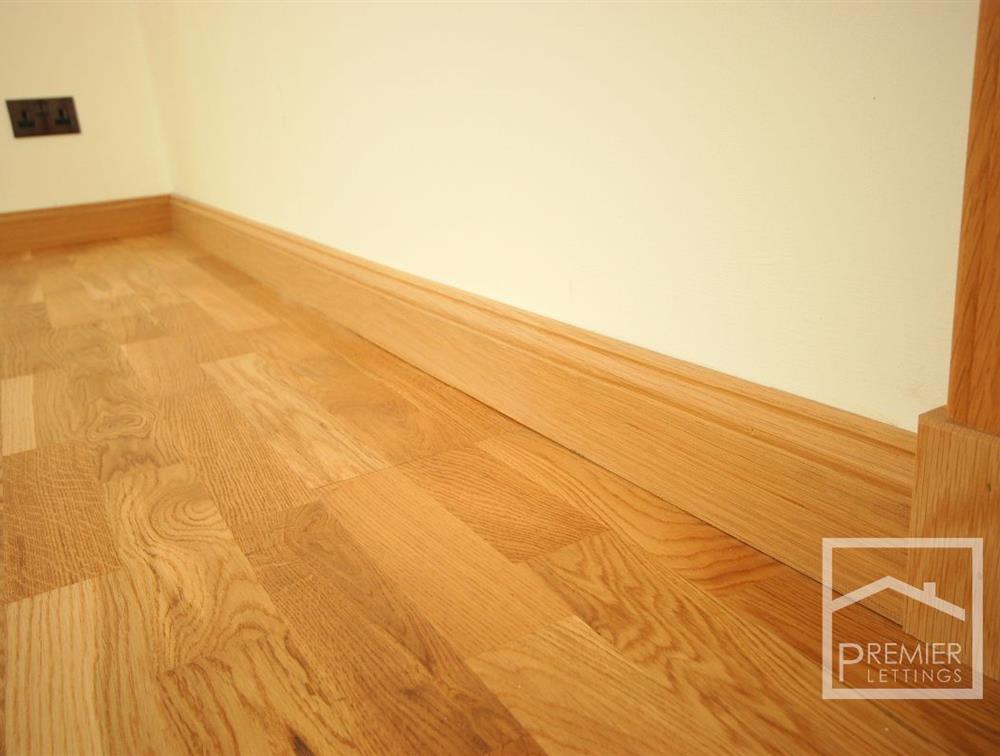 Oak flooring and skirting